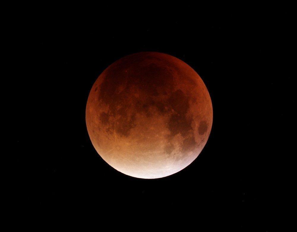 В июле можно будет увидеть самое долгое лунное затмение века