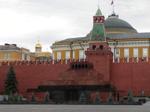 Россию заставляют погасить долги СССР