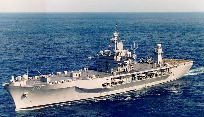 В акваторию Черного моря вошло флагманское судно Военно-морских сил США