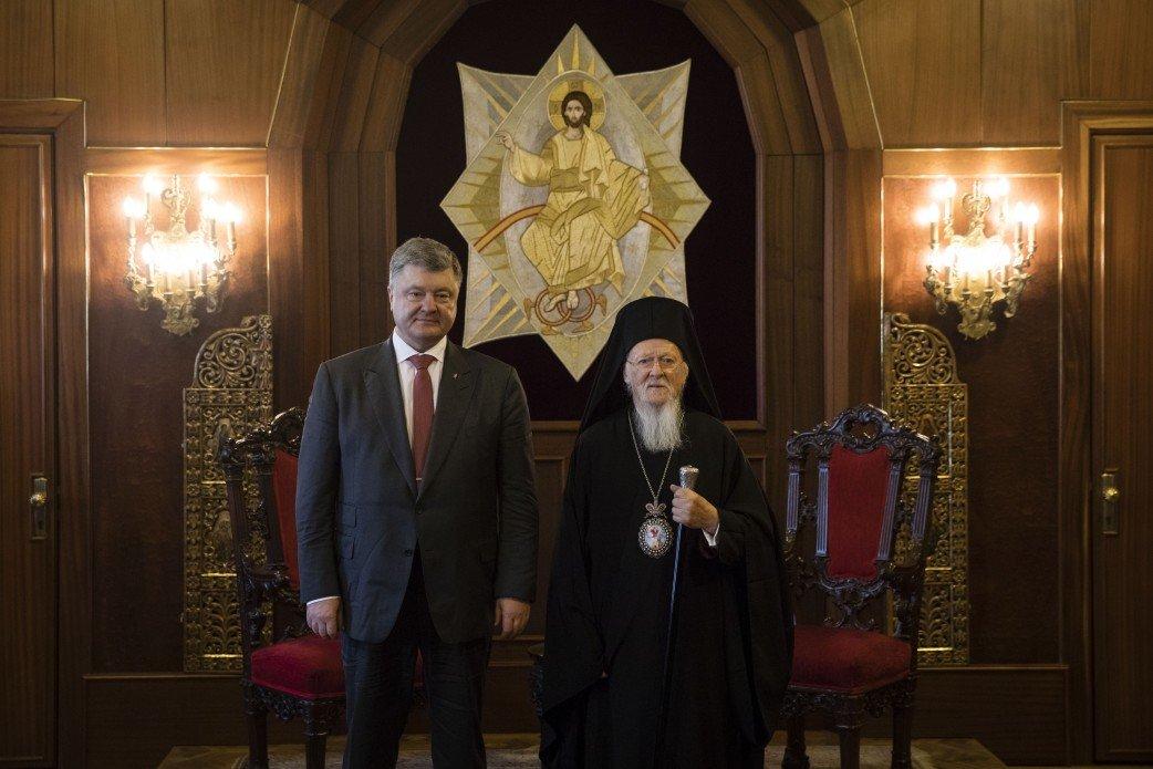 Патриарх Варфоломей обсудил с Порошенко создание поместной церкви в Украине