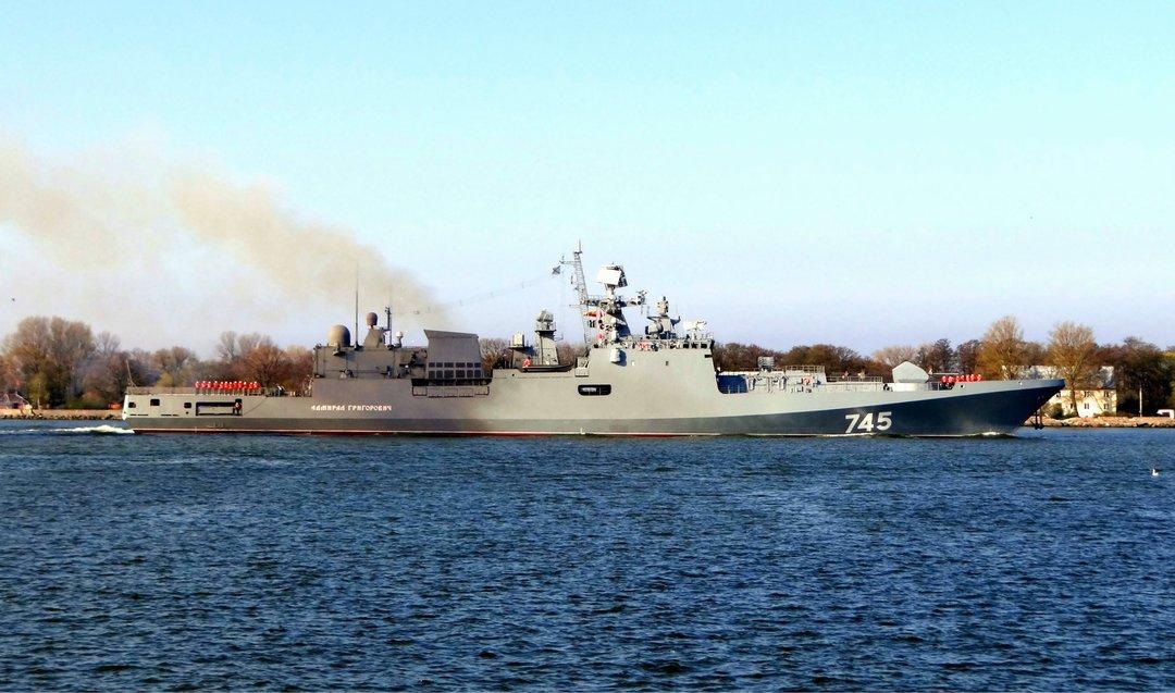 Российские корабли провели боевые учения в Черном море