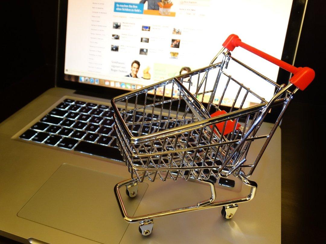 Украинцы стали больше покупать онлайн за рубежом