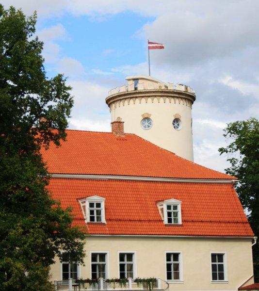 Санкции США против России отразились на банковской системе Латвии
