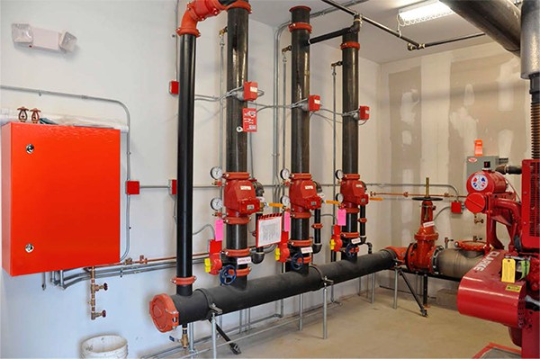 Новинка в ассортименте IEK GROUP — щиты для пожарной автоматики ЩМП IP54 IEK® в красном цвете