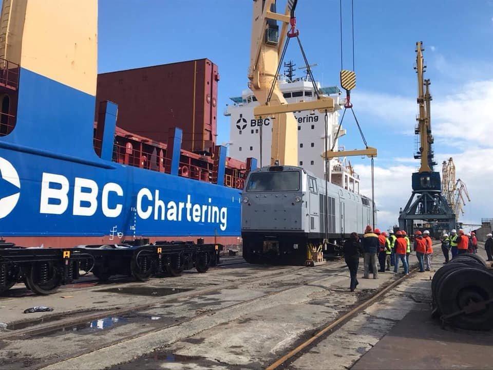 Ещё 7 локомотивов General Electric прибыли в Украину