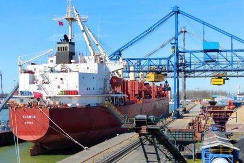 Нигерийские пираты захватили швейцарское судно с украинцем на борту — СМИ