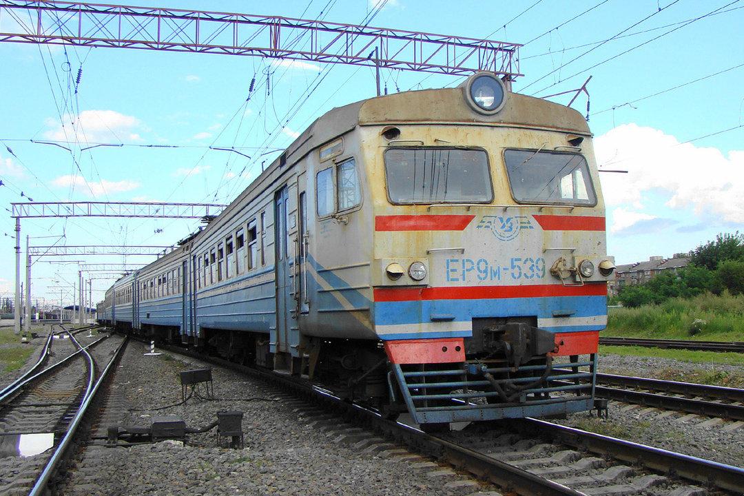 """""""Укрзализныця"""" заменит электрички на автобусы на непопулярных направлениях"""
