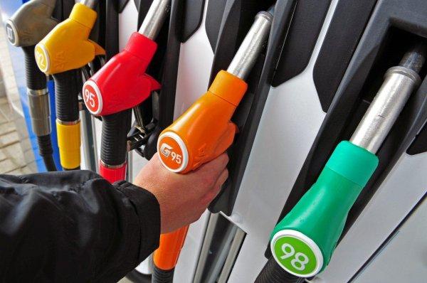 Воронежская область вошла в тройку регионов ЦФО с самым дешевым бензином