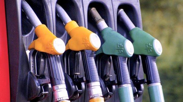 В Белоруссии цены на бензин вырастут до российского уровня