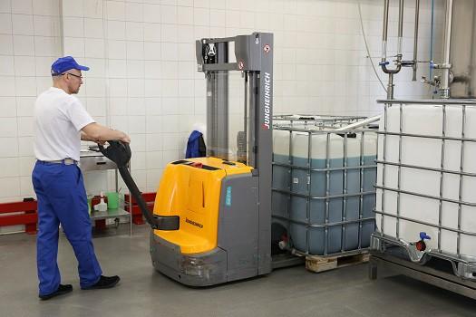 Faberlic использует на производстве технику Jungheinrich с литий-ионными аккумуляторами