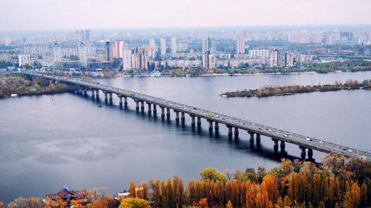 Киевские власти предупреждают о пробках на дорогах в связи с ремонтом столичных мостов