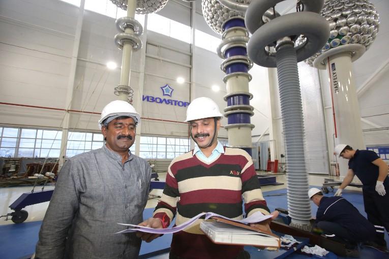 Индийские специалисты оценивают результаты испытаний