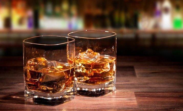 """АМКУ оштрафовал три алкогольные компании за использование """"whiskyе"""""""