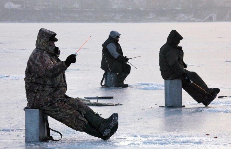 Где в Украине запретили гражданским лицам носить военную форму