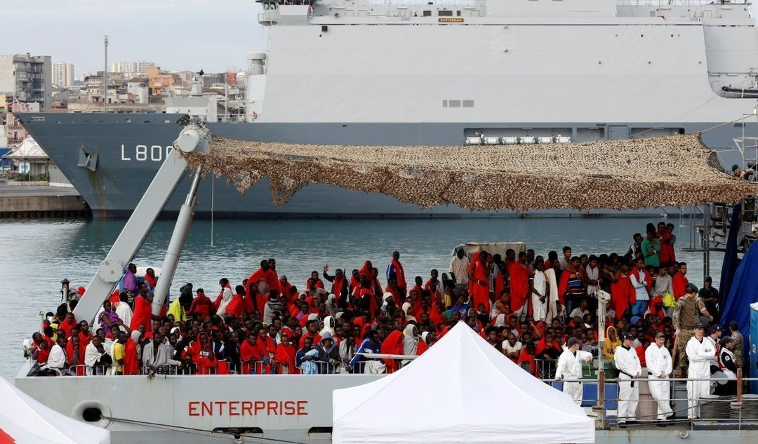 В Италии закрыли порты для кораблей со спасенными мигрантами