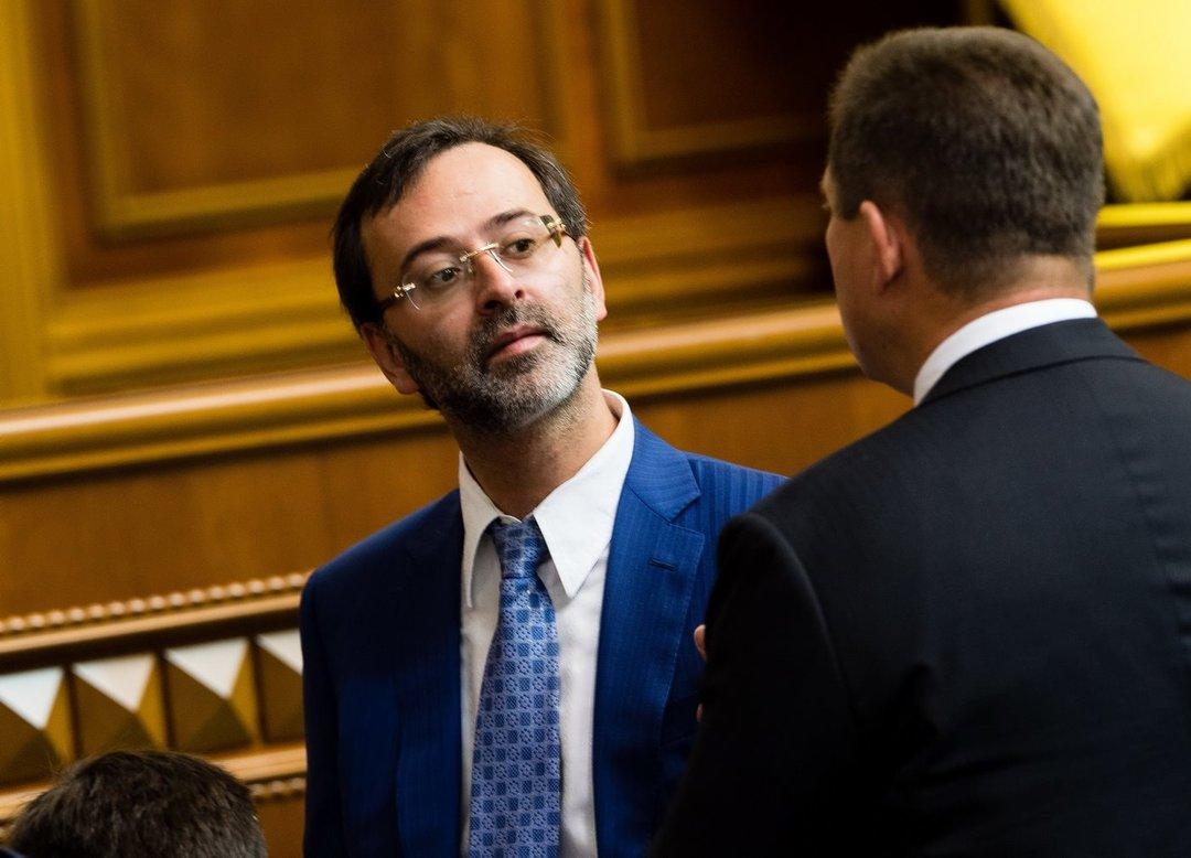 НАПК направило в суд дела против депутатов Логвинского и Дунаева