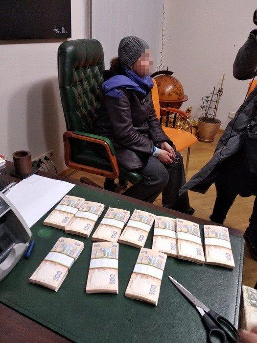 Представители псевдо ГО вымогали деньги у владельцев столичного банка — СБУ