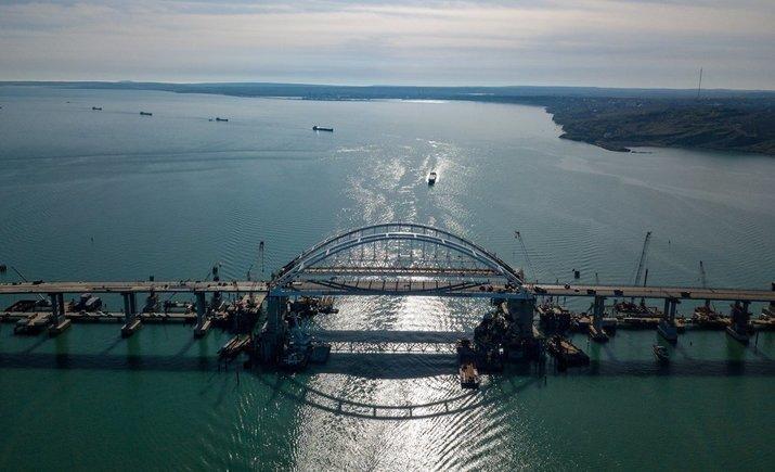Россия требует от Украины отказаться от нового прохода кораблей через Керченский пролив