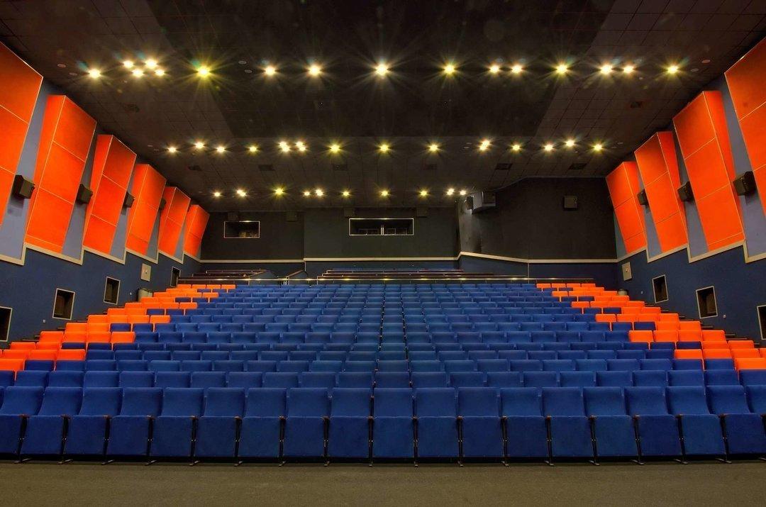 """В КГГА предлагают включить кинотеатр """"Киев"""" в коммунальную сеть кинотеатров"""