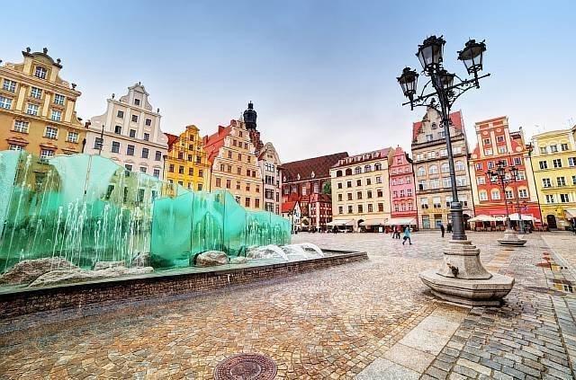 В Польше планируют открыть ещё три украинских консульства