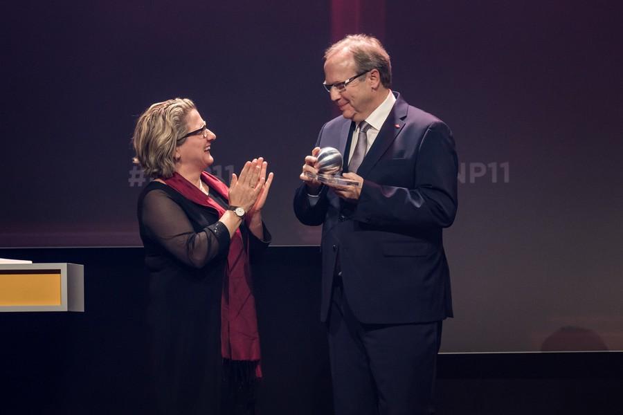 Министр экологии Германии Свеньи Шульце (Svenja Schulze) и управляющий партнер компании Ральф Путч (Ralf Putsch)