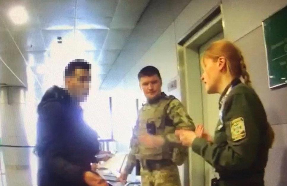 """Иностранец попытался напасть на пограничника в """"Борисполе"""""""