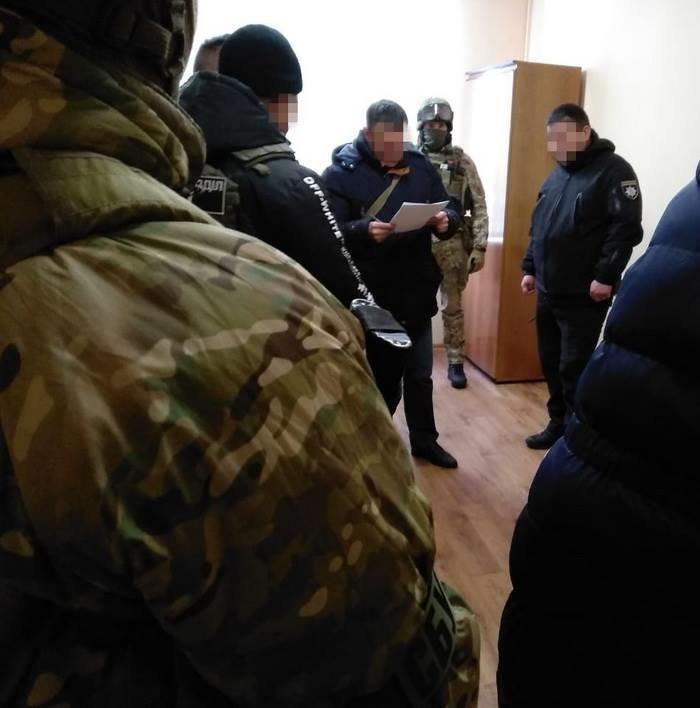 Подполковник полиции в Одессе собирал с предпринимателей по $300 за одну торговую точку