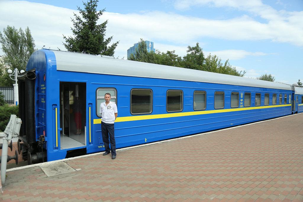 """""""Укрзализныця"""" перевезла более 50 млн пассажиров за прошлый год"""