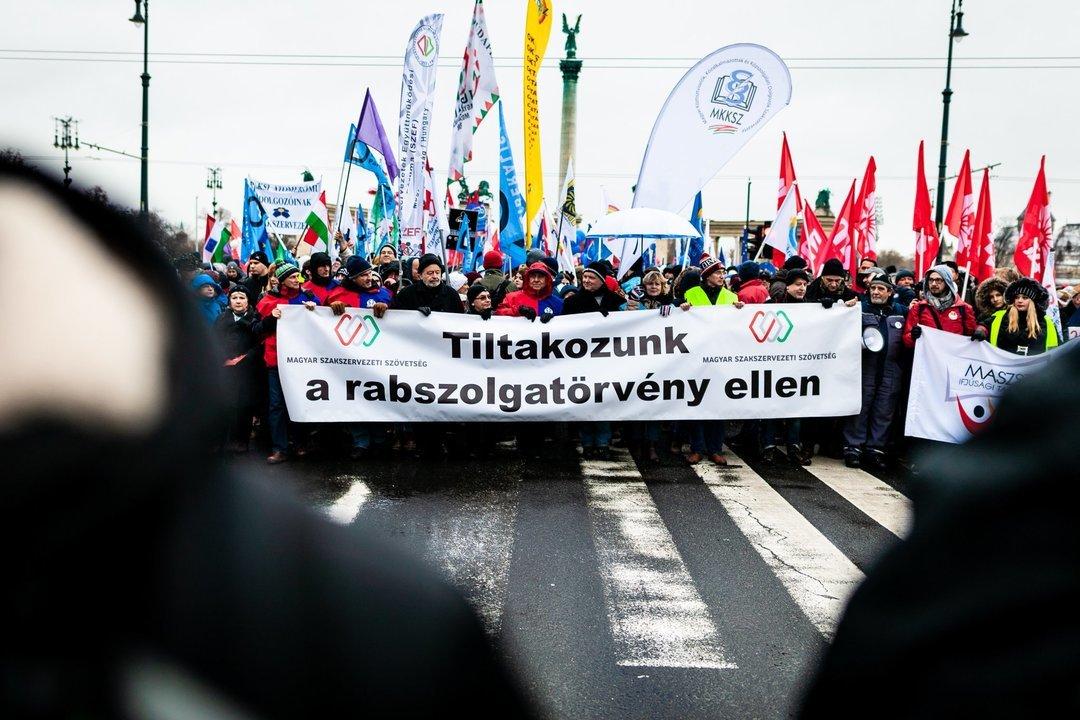 """В Будапеште снова протестовали против """"закона о рабстве"""""""