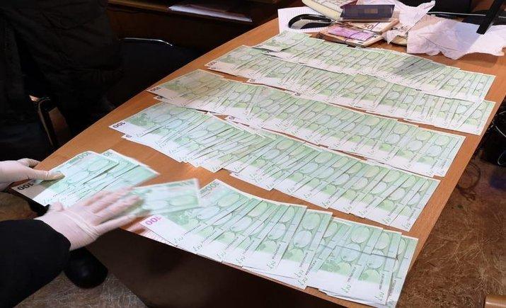 Иностранец предлагал 26 тыс. евро за возвращение конфискованных сигарет